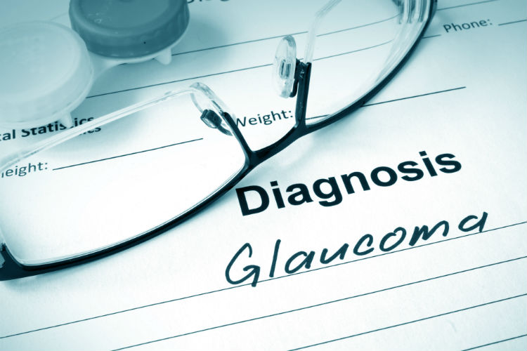 Diagnosis list with Glaucoma written with glasses