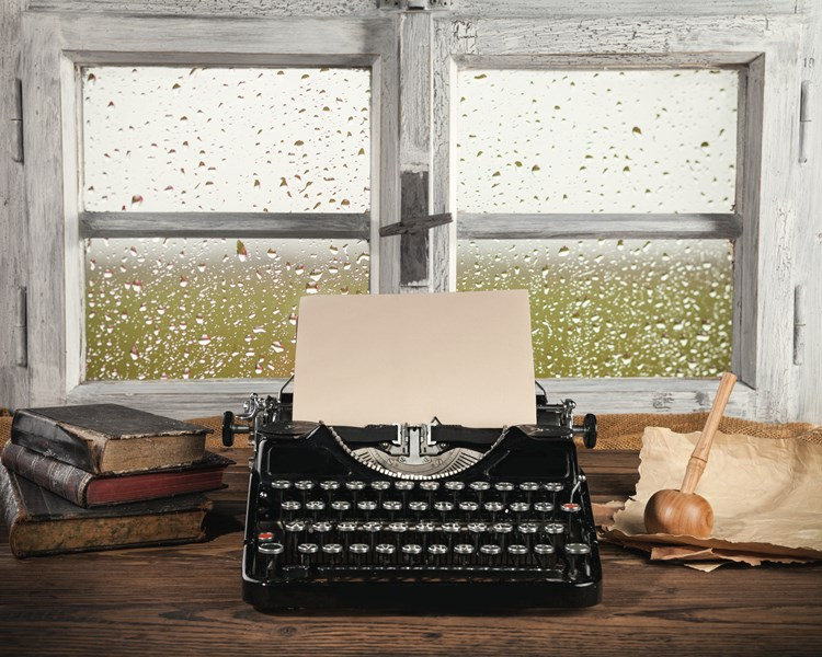 A typewriter used to write a story