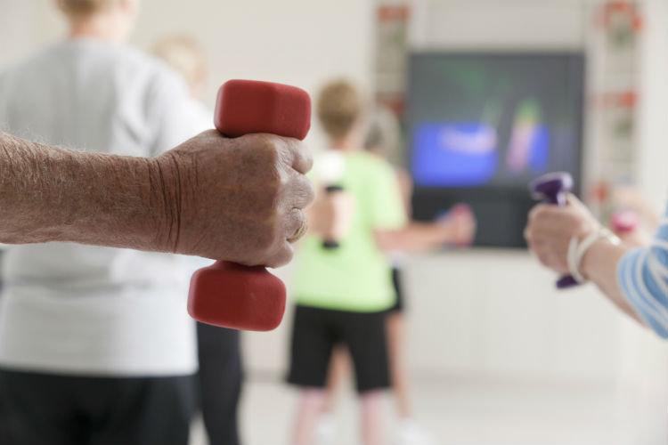 4 Reasons Why Your Elderly Parent Needs a Wii-Image