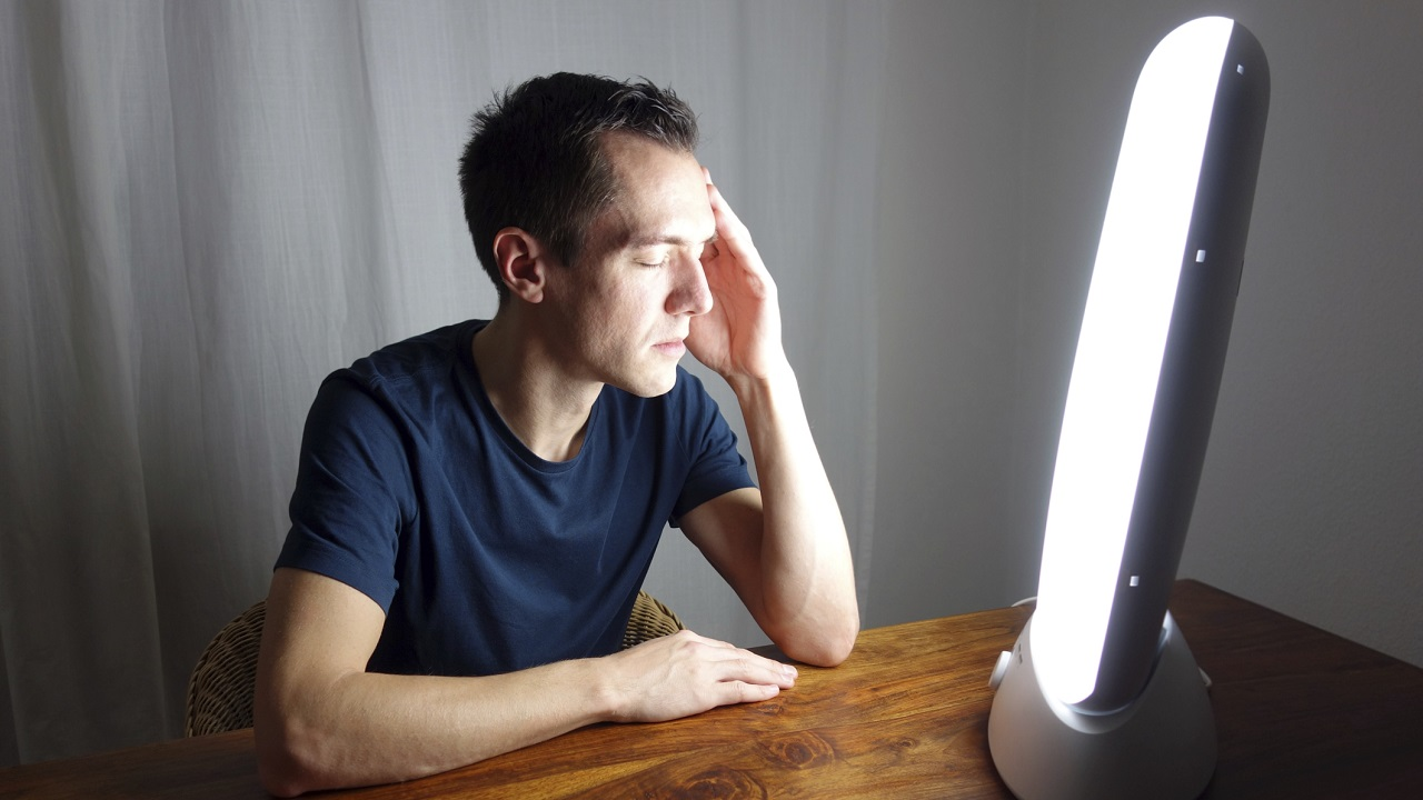 Light Therapy Benefits Dementia Patients and Family Caregivers-Image