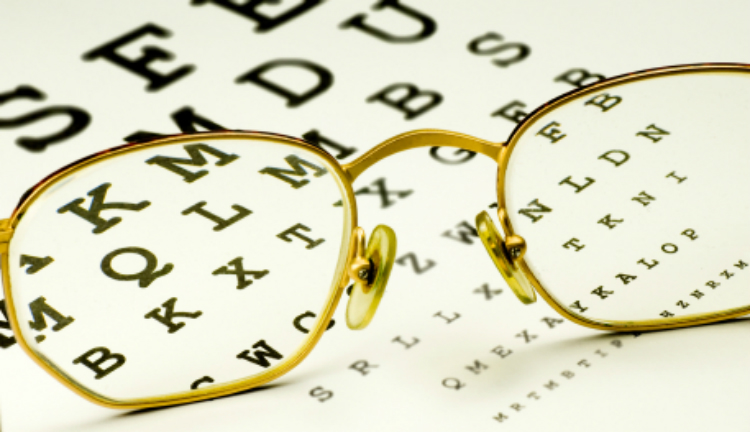 How to Handle Eye Exams, Hearing Tests and Dental Care for Seniors with Dementia-Image