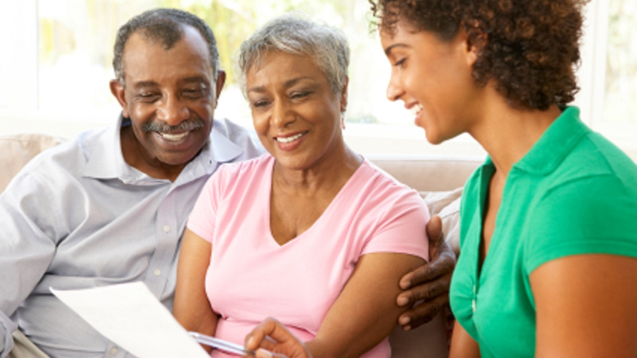 Talking to Elderly Parents About Their Finances-Image