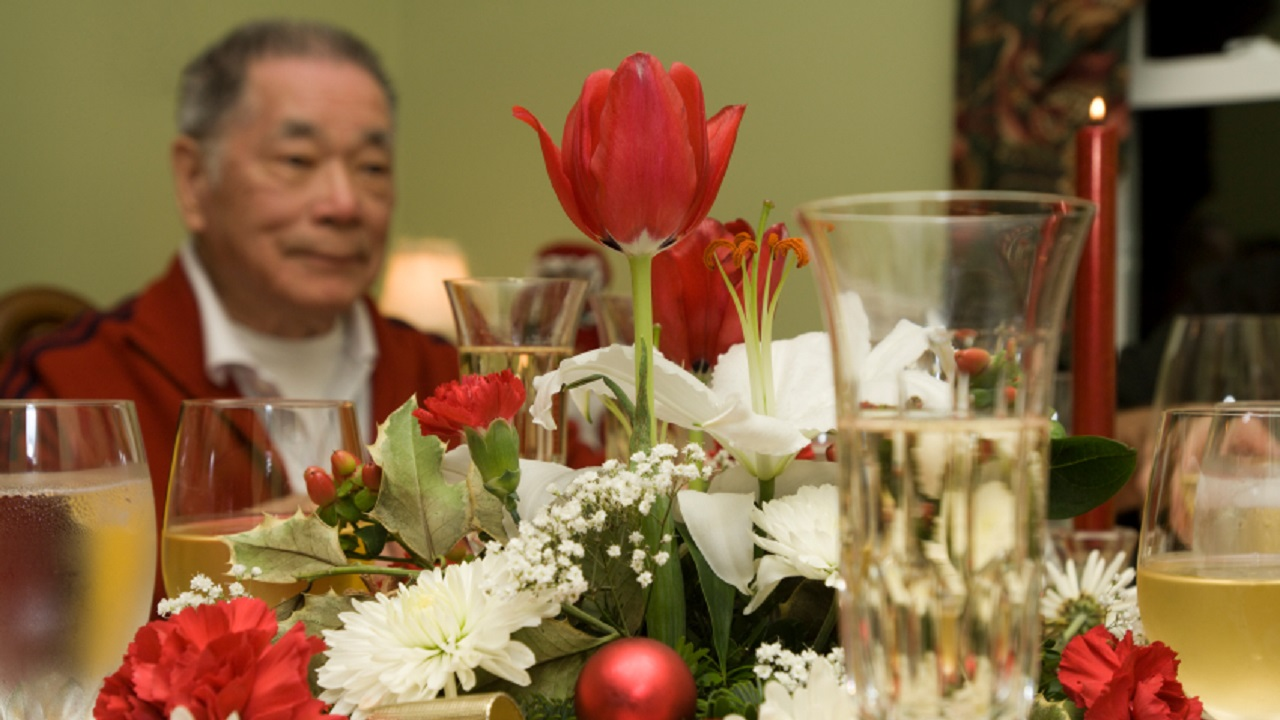 Grieving for a Dying Loved One During the Holidays-Image