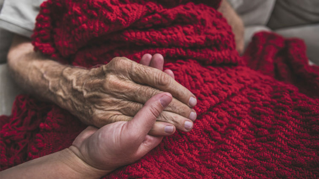 End-of-Life Care: Signs That Death Is Near-Image