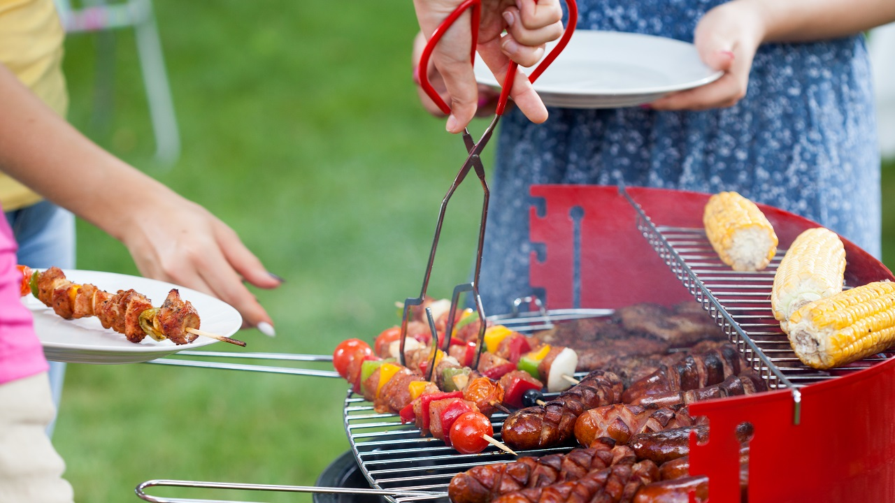 How to Ensure Summer Cookouts Are Safe and Enjoyable for Seniors-Image