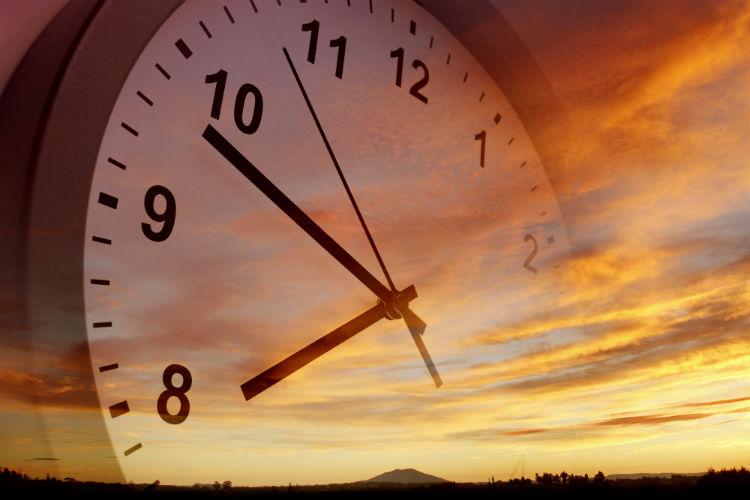 Daylight Saving Time Can Trigger Sundowning Behaviors-Image