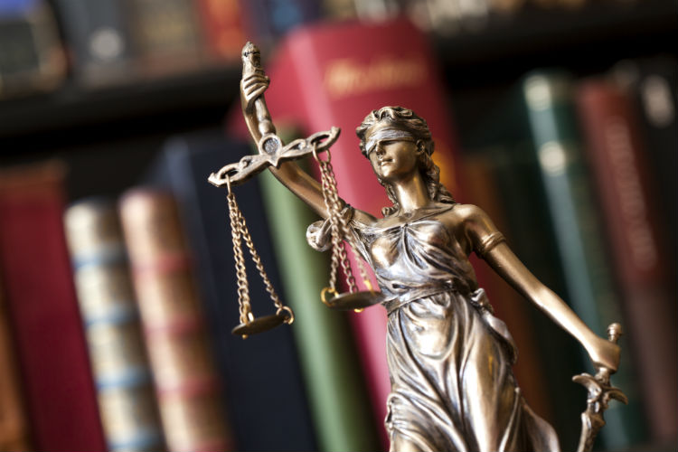 Can Professional Caregivers Sue Patients and Their Families?-Image
