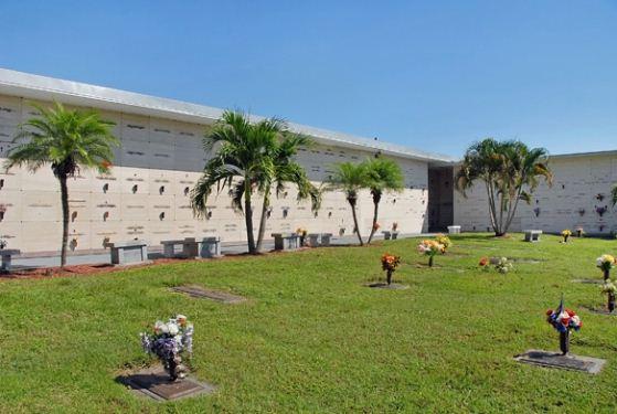 Hodges Funeral Home At Naples Memorial Gardens Naples FL Funeral