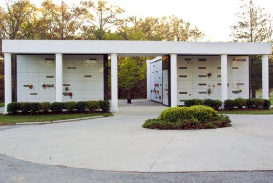 Kraft-Graceland Memorial Park at New Albany, IN