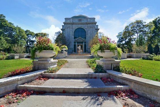 Memorial Park Cemetery at Skokie, IL