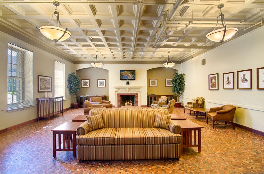 Senior Suites of Joliet at Joliet, IL