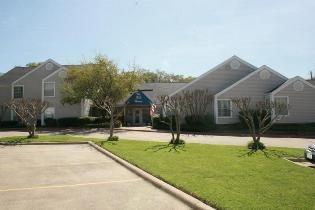 Hill House Apartments at Arlington, TX