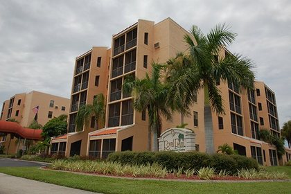 Royal Palm Retirement Centre at Port Charlotte, FL
