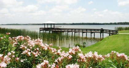 Lake Seminole Square at Seminole, FL
