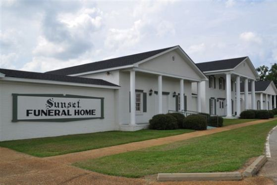 Sunset Brown-Service Funeral Home at Northport, AL