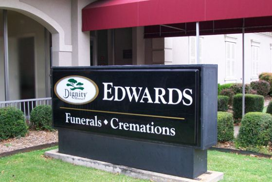 Edwards Funeral Home at Fort Smith, AR
