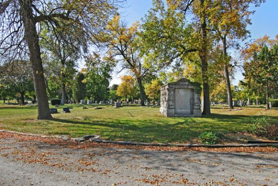 Oak Hill Cemetery II at Chicago, IL