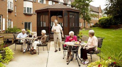 American House East I Senior Living at Roseville, MI