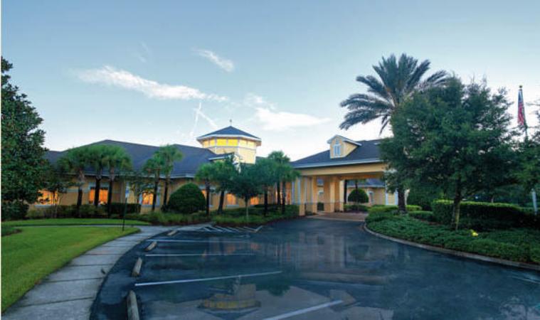 Aston Gardens At Tampa Bay at Tampa, FL