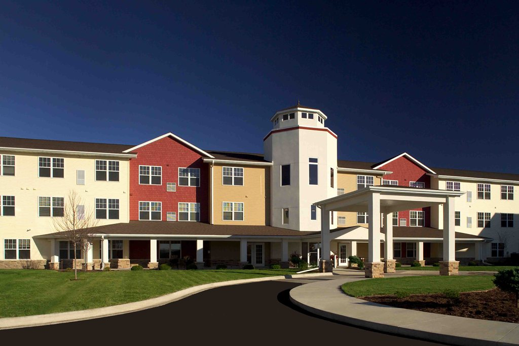 New Perspective Senior Living | Silvis at Silvis, IL