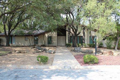 Avalon Memory Care - Hughes Circle at Dallas, TX