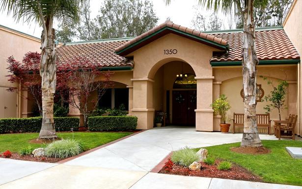 Somerford Place Encinitas at Encinitas, CA