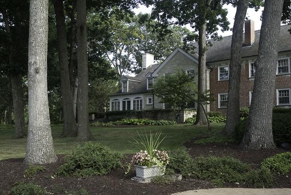 King Bruwaert House at Burr Ridge, IL
