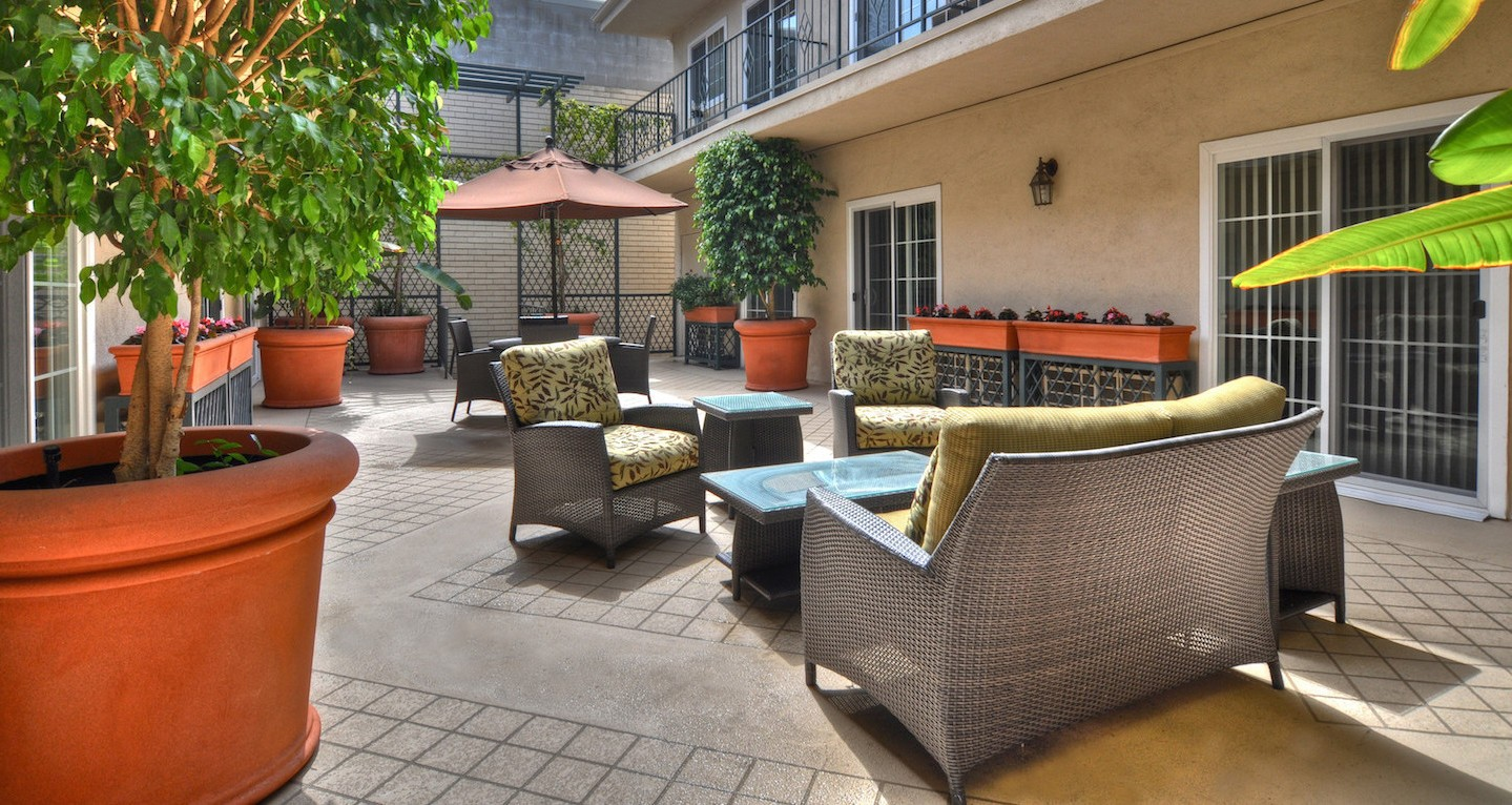 Encino Terrace Senior Living at Encino, CA