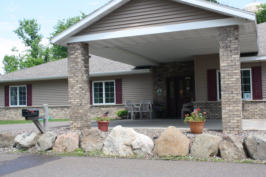 New Perspective Senior Living | Cloquet at Cloquet, MN