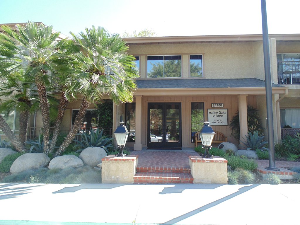 Valley Oaks Village at Santa Clarita, CA