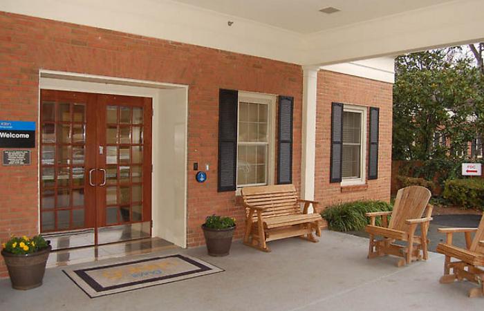 Golden Livingcenter -The Cedars at Charlottesville, VA