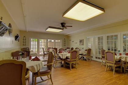Lamplight Inn of Fort Myers at Fort Myers, FL
